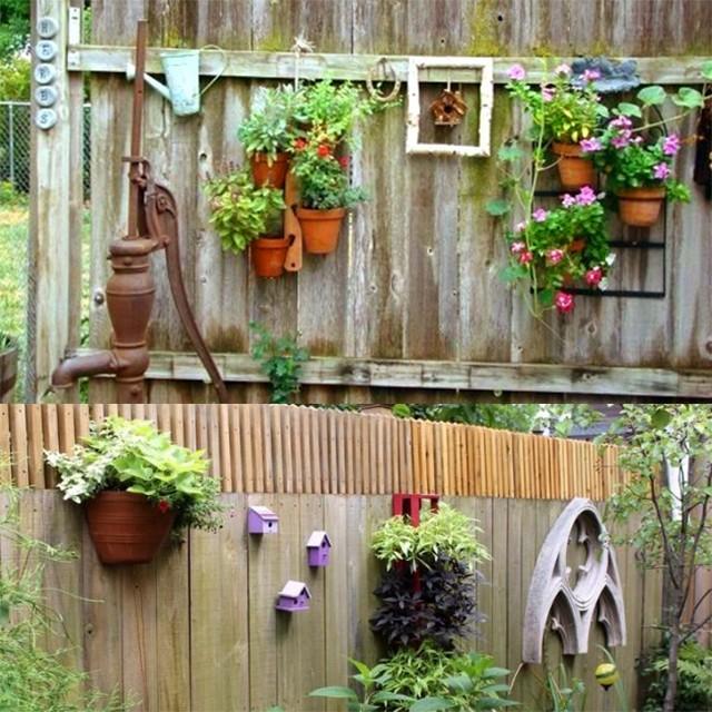 Отремонтировать старый забор дешево и красиво