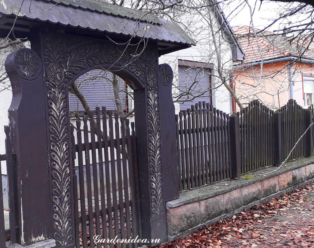 Забор из деревянного штакетника просто, дешево, красиво